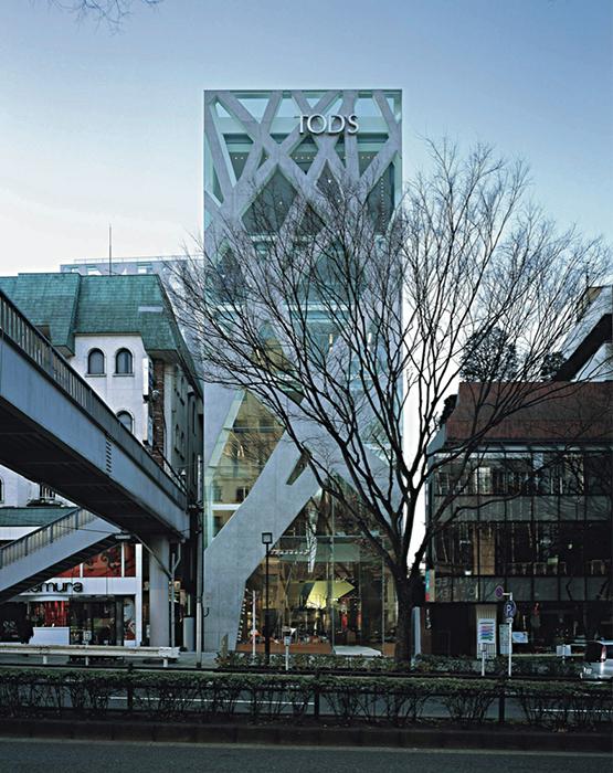 Здание итальянского Дома моды Tod's Omotesando в Токио