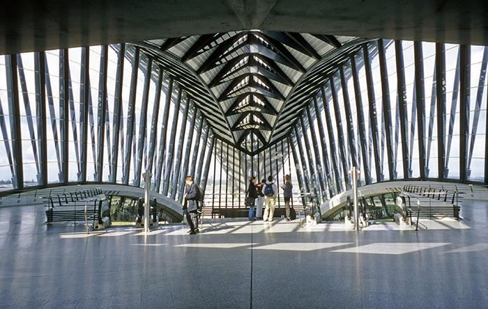 Залізнична станція аеропорту імені Екзюпері в Ліоні: інтер'єр приміщення