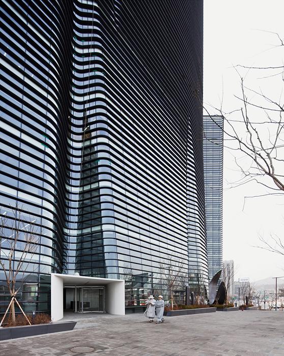 Офисный комплекс Twin Trees в Сеуле