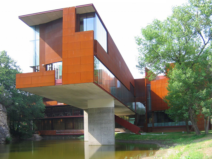 Школа искусств и истории искусства Университета Айовы в Айова-Сити, США