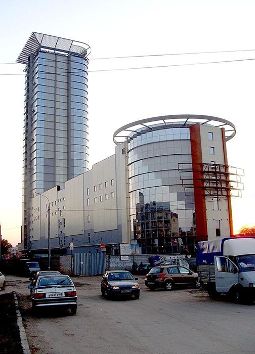 Торгово-офисный центр «Вертикаль»