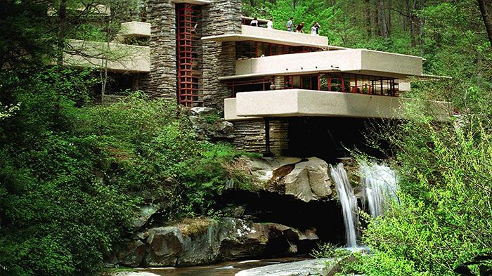 Загородный дом «Дом над водопадом» в Юнионтауне, США