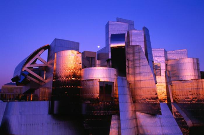 Художественный музей Вайсмана в Миннеаполисе ночью