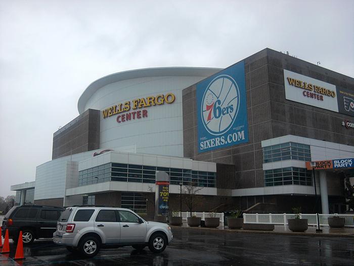 Спортивная арена «Веллс Фарго Центр»