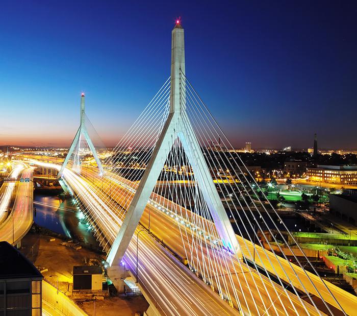 Мост Закима в Бостоне: ночной кадр