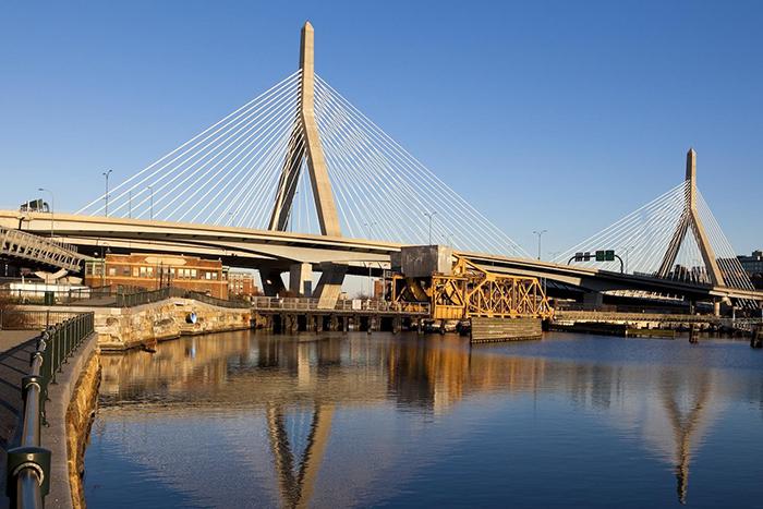 Мост Закима в Бостоне, США