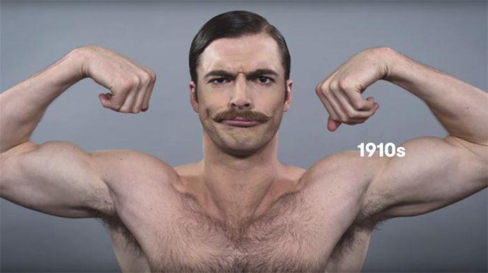 В начале двадцатого века мужчины гладко зачесывали волосы набок и носили усы.