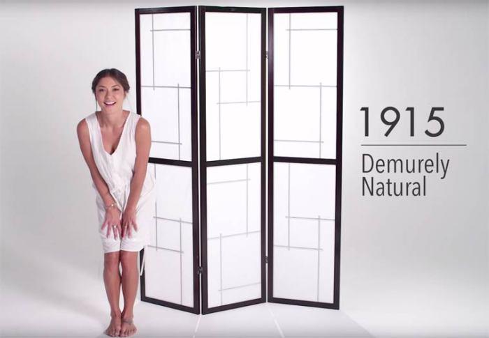 В первые десятилетия ХХ века женское нижнее белье должно было быть простым и скромным.