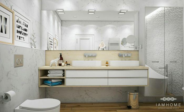 Ванная комната в квартире художников, которые живут в Санкт-Петербурге.