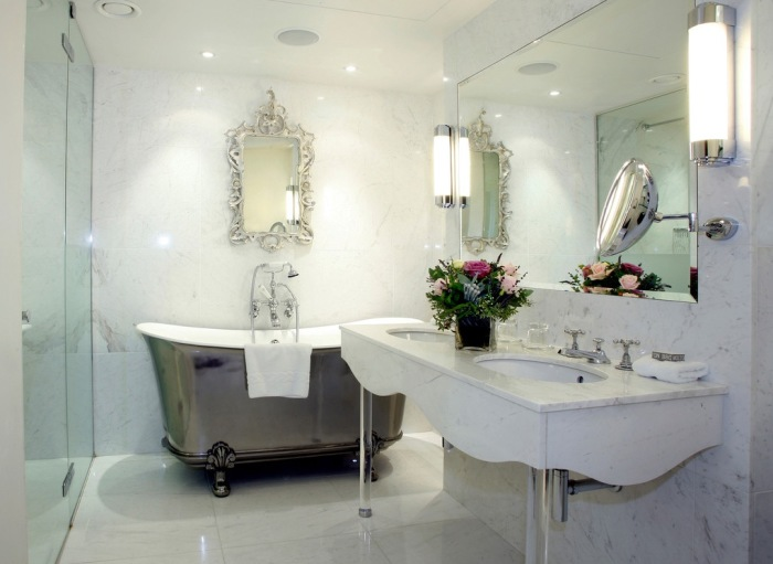 Ненавязчивая роскошь - так можно описать китайскую ванную комнату в двух словах.