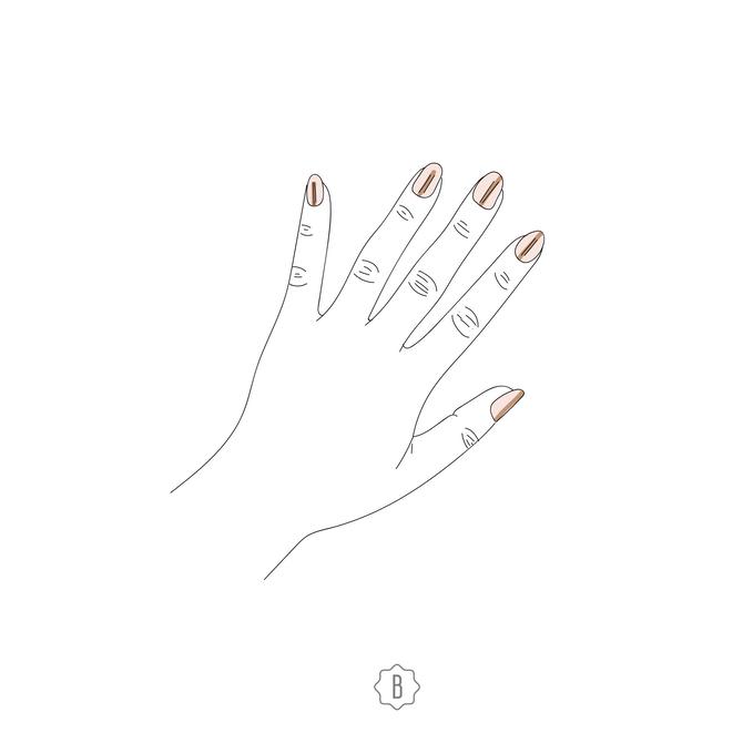 Темные линии на ногтях могут говорить об онкозаболевании. Нужно обязательно записаться на прием к врачу.