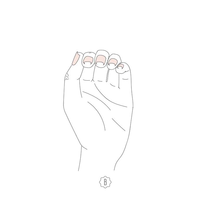 Когда уголки ногтей заворачиваются внутрь, это говорит о недостатке железа в организме.