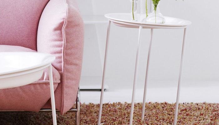 Столы из серии под названием Головокружение.