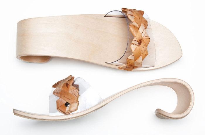Обувь из дерева с каблуком, напоминающим гребень морской волны