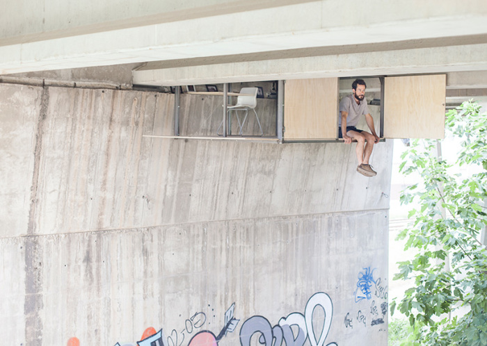 Тайный офис дизайнера Фернандо Абелланаса (Fernando Abellanas), расположенный под мостом.
