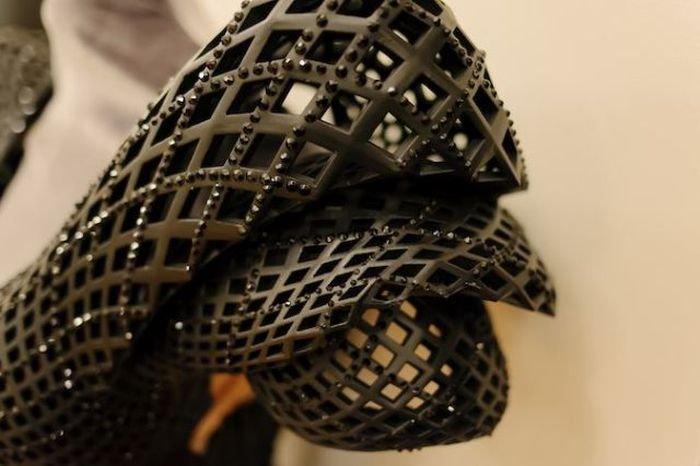 Необычное 3D-платье для Диты фон Тиз, созданное дизайнером Михаэлем Шмидтом (Michael Schmidt) и архитектором Фрэнсисом Битонти (Francis Bitonti).