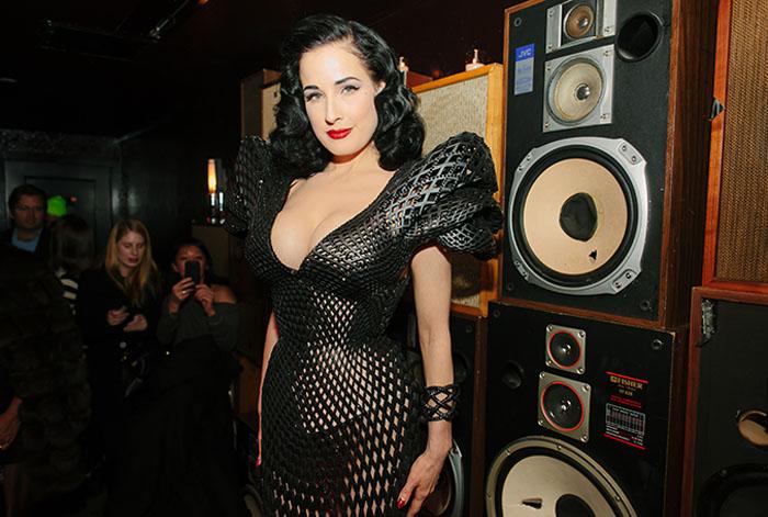 3D-платье для Диты фон Тиз, распечатанное на 3D-принтере и украшенное кристаллами Swarovski.