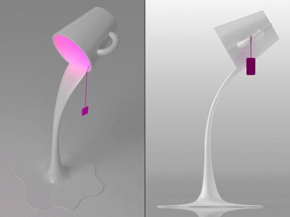 Яркий светильник в виде опрокинутой чашки, из которой выливается жидкость.