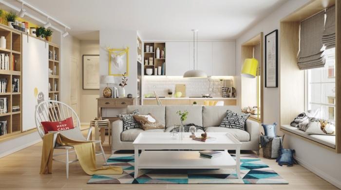 Третий пример - светлые апартаменты с акцентами в желтой цветовой гамме.