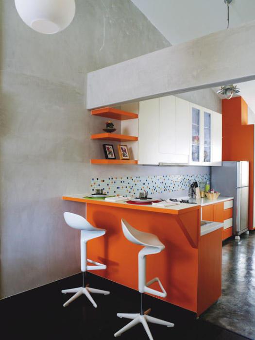 Барная стойка тоже может выполнять функцию обеденного стола.