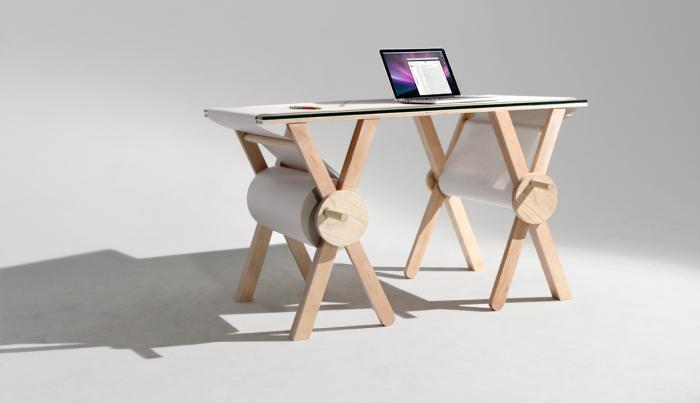 Запоминающий стол - мечта любого творческого человека.