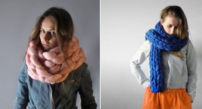 Цветные шарфы, связанные 10-сантиметровыми петлями.