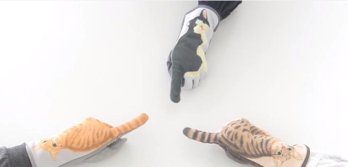 Перчатки «Cat Gloves» - прикольные аксессуары для тех, кто часто пользуется своими девайсами на улице в холодное время года.
