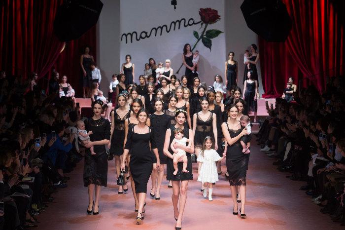 Коллекция Viva la Mamma от Dolce & Gabbana.