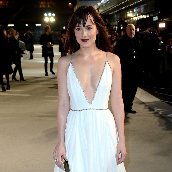 Белое платье роли