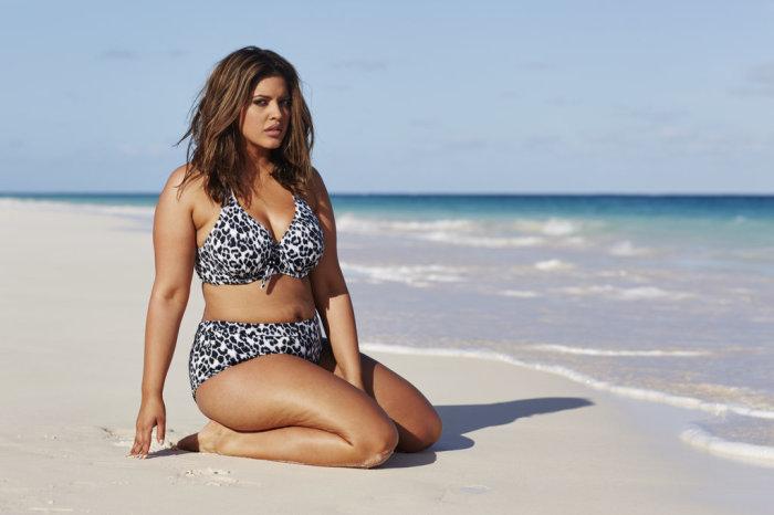 Компания, выпускающая купальники, Swimsuits For All выступила против навязанных женщинам стереотипов модельной внешности.