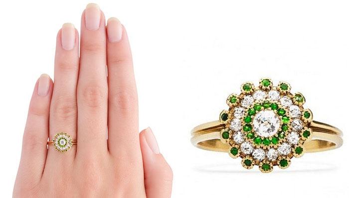 Trumpet & Horn Vintage Victorian Ring, вставки - бриллианты, зеленые хризолиты, цена 4,100 долларов.