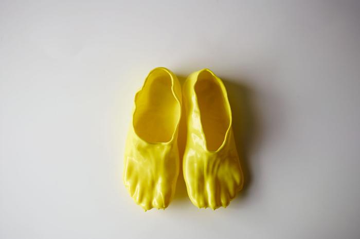 Сделать такую пару обуви - все равно, что съесть порцию сырного фондю