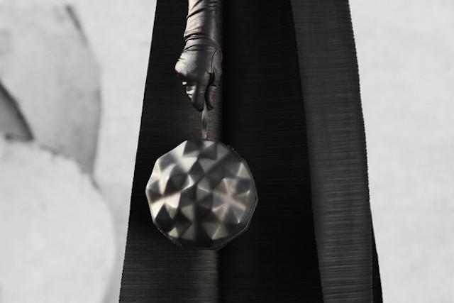 Константин Кофта презентовал две коллекции оригинальных сумок