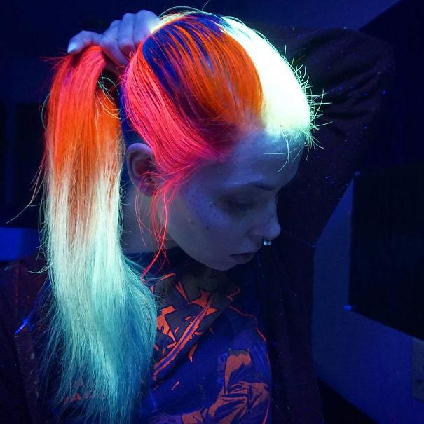 Краска для волос, светящаяся в темноте, - новинка от американской компании «MANIC PANIC».