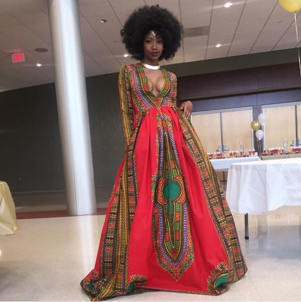Кайма МакЭнтайер (Kyemah McEntyre) - восемнадцатилетняя выпускница, которая придумала и сшила своими руками великолепное платье.