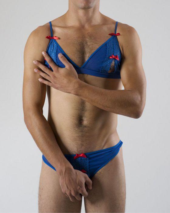 мужской парень гей с нижнем бельем