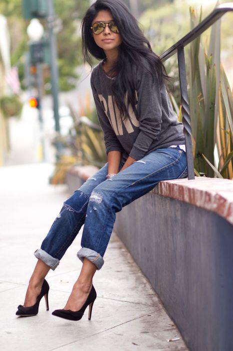 Подвернутые джинсы-бойфренды с манжетами-валиками.
