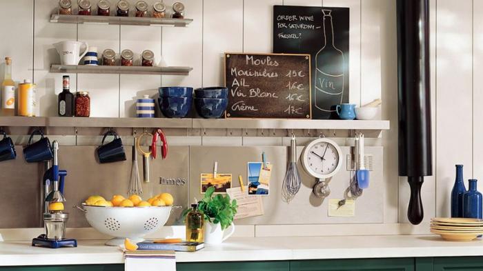 Как сэкономить место на маленькой кухне и сделать ее компактной.