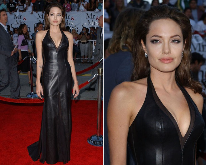 Несравненная Анджелина Джоли в длинном черном кожаном платье от Версаче на премьере фильма Мистер и миссис Смит.