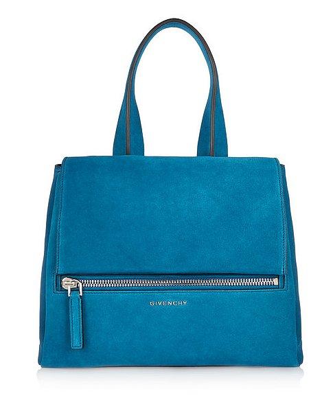 Сумка насыщенного голубого цвета для Весов от французского модного дома «Живанши» («Givenchy»), стоимость - 2 тысячи 350 долларов.