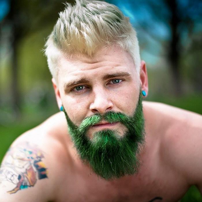 Покрасить волосы в белый цвет мужчине