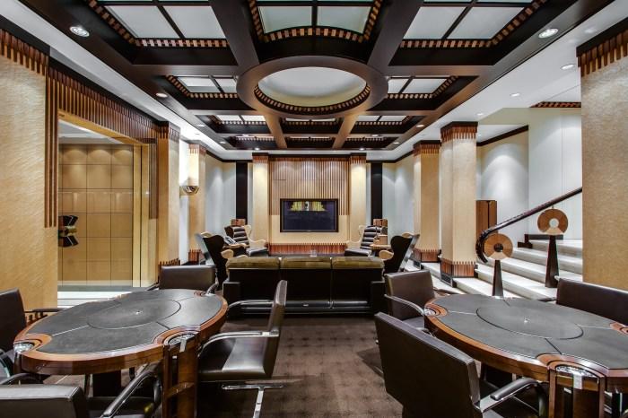 Сигарная и покерная комната в особняке знаменитого баскетболиста Майкла Джордана.