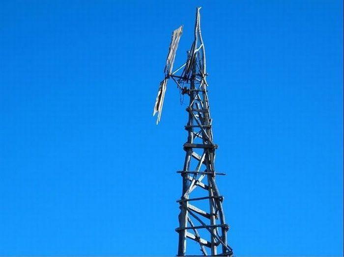 Ветряная мельница,которая была построена без всяких вспомогательных инструментов.