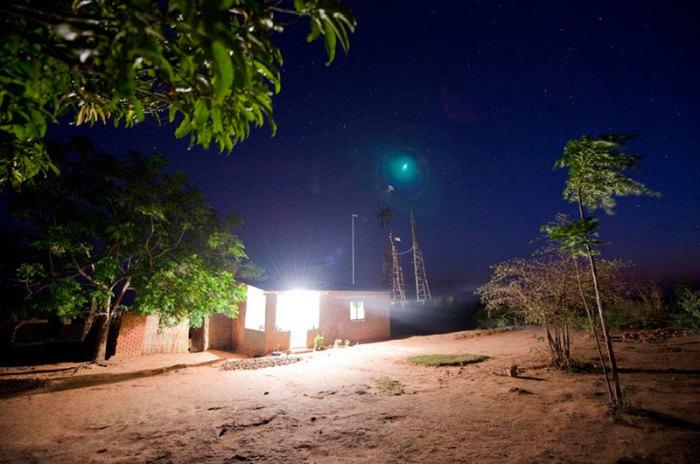 Благодаря самодельному ветрогенератору, в деревушку Уимби пришло электричество.