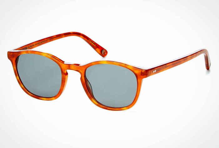 Солнцезащитные очки Raen Saint Malo, стоимость которых - 135 долларов.