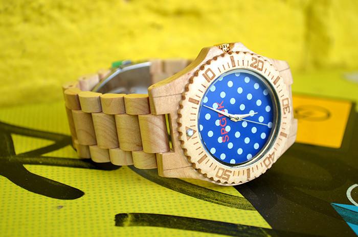 Деревянные часы от бренда SPGBK.