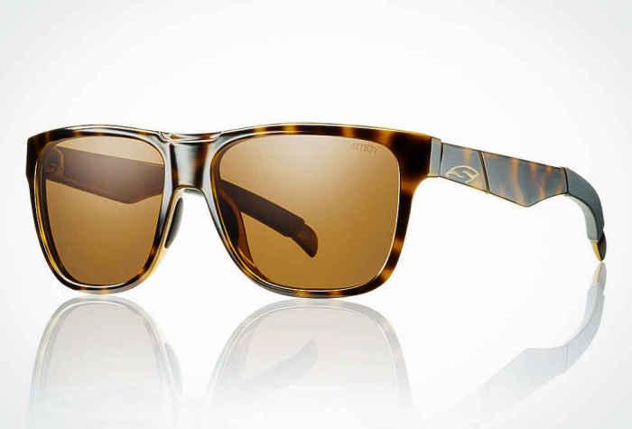 Солнцезащитные очки Smith Lowdown, стоимость которых - 100 долларов.