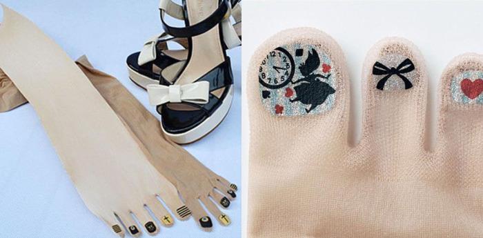 Капроновые чулочные изделия с «накрашенными» ногтями из Страны Восходящего Солнца.