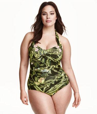 Слитный купальный костюм от бренда H&M+ - Draped Swimsuit, стоимость которого - 49 долларов.