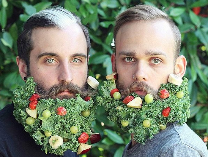 Аппетитная борода из овощей и фруктов.